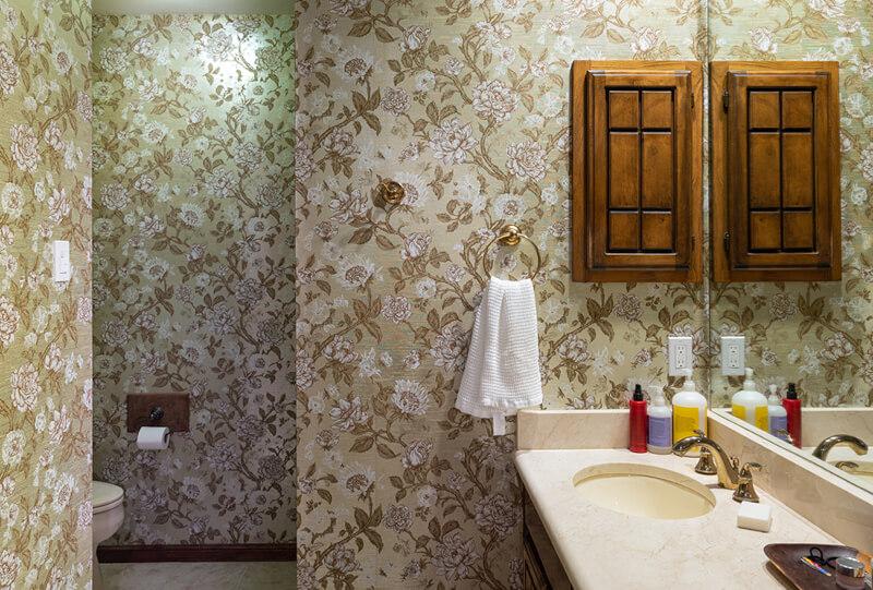 Custom Vanity 70s Bathroom